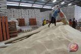 Mendag lepas pengiriman beras Jatim ke delapan provinsi