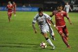 Hadapai Madura United Bali tanpa Irfan Bachdim