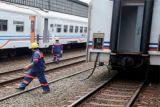 Jalur KA Cirebon-Purwokerto sudah bisa dilewati setelah terendam banjir