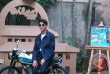 Kuliah diluar negeri, Iqbaal tetap promo film 'Dilan'