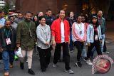 Presiden jalan kaki bersama pelajar di Wellington