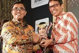 Gubernur IP Terima Penghargaan Obsession Awards 2018 Kategori Best Achiever In Regional Leader