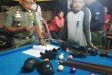 Razia semalam di Agam: mesin jackpot dan tuak diamankan