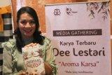 Dewi Lestari belum tertarik bikin parfum khusus