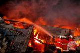 Kebakaran gudang mainan
