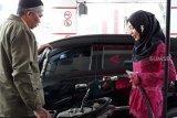 Peringati Hari Kartini, karyawati SPBU kenakan kebaya