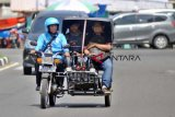 Padang Residents May Order Online Motor-powered Tricycles