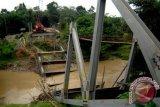 Dua korban tewas di Jatim akibat jembatan ambruk