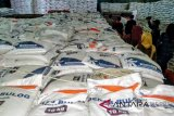 Realisasi serapan gabah Bulog Riau - Kepri capai 77 persen