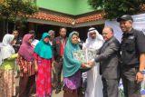 ACT dan kedutaan besar UAE berbagi paket sembako