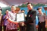Pelajar Padang Panjang pecahkan rekor  menulis puisi terbanyak