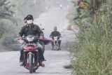 Hujan abu guyur dua desa di sekitar Gunung Merapi