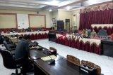 Polres Bartim tidak hadir, DPRD Bartim tunda RDP OTT Dinkes