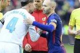 El Classico Berlangsung Panas Berakhir 2-2, Barcelona Jaga Rekor Tak Terkalahkan