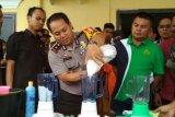 Polres Rohil Musnahkan Ribuan Butir Ekstasi, Sabu, dan Ratusan Botol Miras