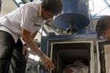 Sabu 4,5 Kg Dibakar dengan Alat Inseminator oleh BNNP Riau