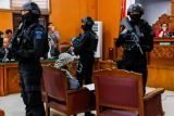 Kemarin, sidang pledoi terdakwa bom Thamrin hingga polisi tetap selidiki remaja hina Jokowi
