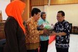 Kumpulkan zakat, DWP Kota Megelang gerakkan anggotanya