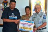 Jasa Raharja-UGM bangun MCK di Lombok Barat
