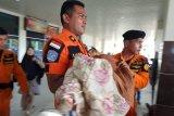 Seorang penumpang pesawat di Bandara Haluoleo pingsan