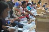 Masyarakat Talang Kelapa Banyuasin terlambat memilih di TPS