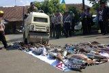 Ribuan liter miras dan 100 knalpot tak standar di Magelang dimusnahkan