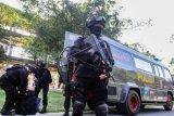 Densus tangkap lima terduga teroris di Pekanbaru