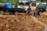 Terisolasi, Masyarakat Sikakak Kuansing Butuh Jalur Transportasi Penghubung Desa