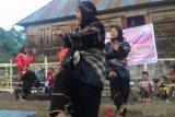 Randai ditampilkan dalam Hari Anak Nasional di Balai Baca Rumah Bako Ampek Angkek