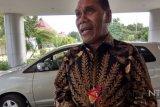 Perlu dibuka jalur penyeberangan Alor-Maluku