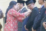 Bupati Agam terima penghargaan satya lencana pembangunan KKB-PK 2018