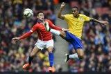 Cedera, Danilo menepi saat Brasil melawan Belgia