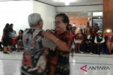 Lomba dansa untuk para Lansia