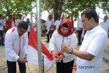 BUMN Hadir - LKBN Antara berikan 73 bendera untuk pulau terluar