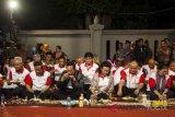 Sultan menyantap tumpeng bersama ribuan warga di Malioboro (Video)