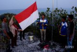 Komuna-Antara kibarkan merah putih di Pulau Sahi
