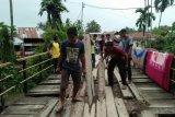 Bappanri Aur Tajungkang Pasaman galang dana untuk perbaiki jembatan