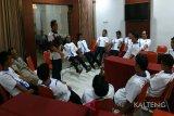 Nelayan Indramayu korban kapal terbalik diberi terapi hilangkan trauma
