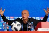 Collina mundur sebagai ketua wasit UEFA