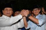 Pasangan Prabowo - Sandiaga ke KPU diiringi shalawat