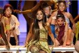 Manajemen Ariana Grande puas hasil rancangan busana desainer Diana Putri
