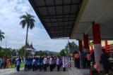 Gerak jalan meriahkan peringatan hari olah raga di Padang
