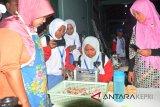 BUMN Hadir : Peserta SMN NTB kunjungi UKM binaan Pelindo I