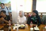 Ratna Sarumpaet dan Rocky Gerung batal diskusi di Palembang