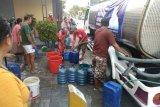 Warga Undaan Kudus terima bantuan air bersih