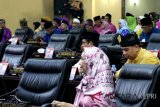 Hanya 26 anggota DPRD Kepri yang hadiri paripurna