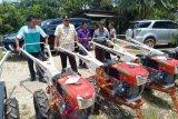 Pemkab Morowali Utara bagikan 58 traktor tangan kepada kelompok tani (vidio)