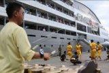 Kapal pesiar MV L'Austral singgah di Pelabuhan Jayapura