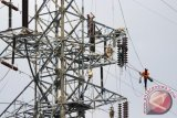 Asyik bermain, seorang anak terseret kabel sutet hingga ketinggian 30 meter