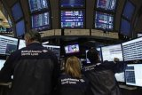 Wall Street dibuka bervariasi, saham energi dan keuangan melemah